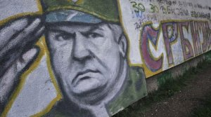 Un graffiti représentant Ratko Mladic dessiné sur un mur de Belgrade le 29 mai 2011.