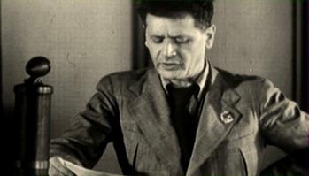 Peretz Markish lisant son appel, en 1941, au sein du Comité juif antifasciste