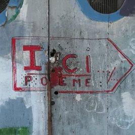 Tieri Briet, inscription en rouge et noir, rue Paul Valéry à Sète.