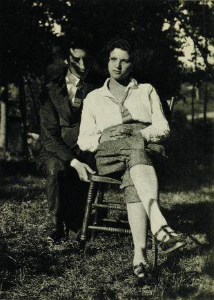 Rose Ausländer, en 1922, avec son futur mari Ignaz Ausländer, aux Etats-Unis.